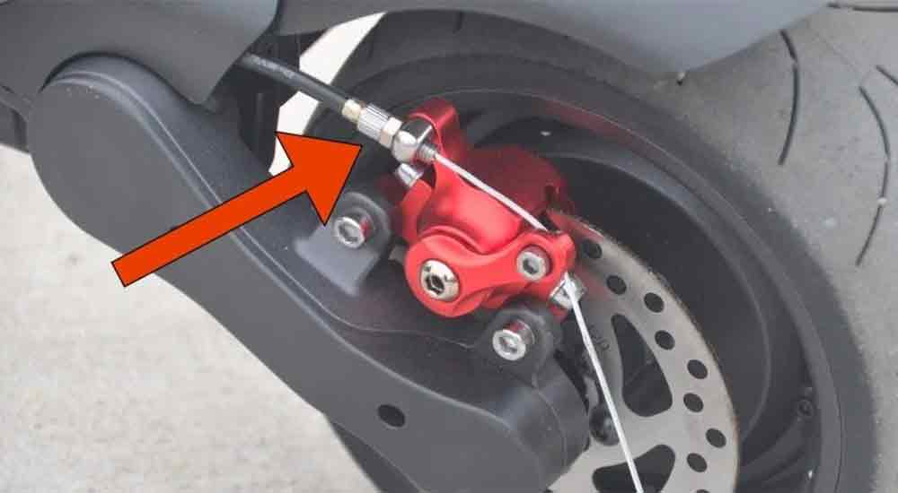 Electric-scooter-brake-types