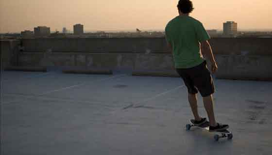 Longboarding turning tricks