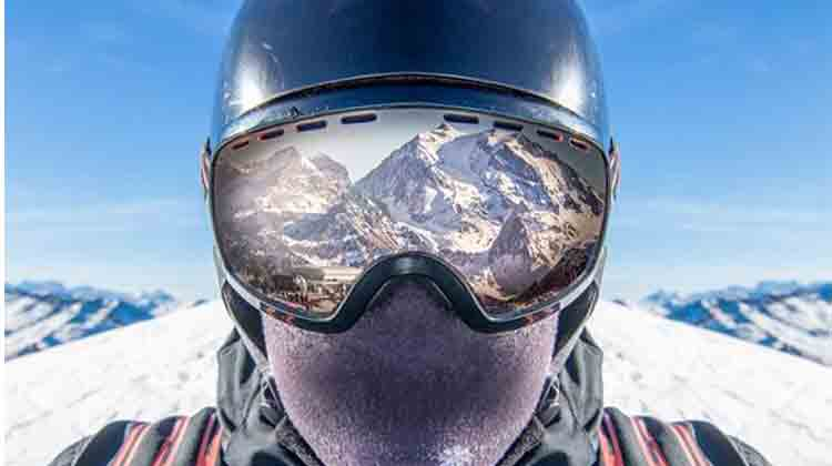 How to choose the best snowboard mask