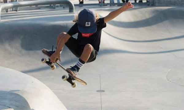 Rimable complete 22 skateboard is one of the best skateboard for beginners and kids also.